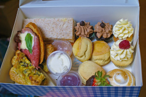 High Tea to-go box